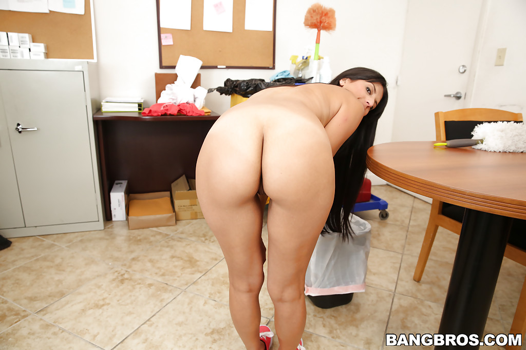 anal stretched gaby